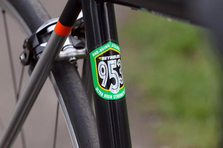 Genesis Volare Team - seat tube badge (1).jpg