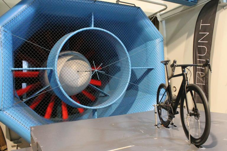 Hunt - Bike in tunnel wheels spinning - 1.jpg