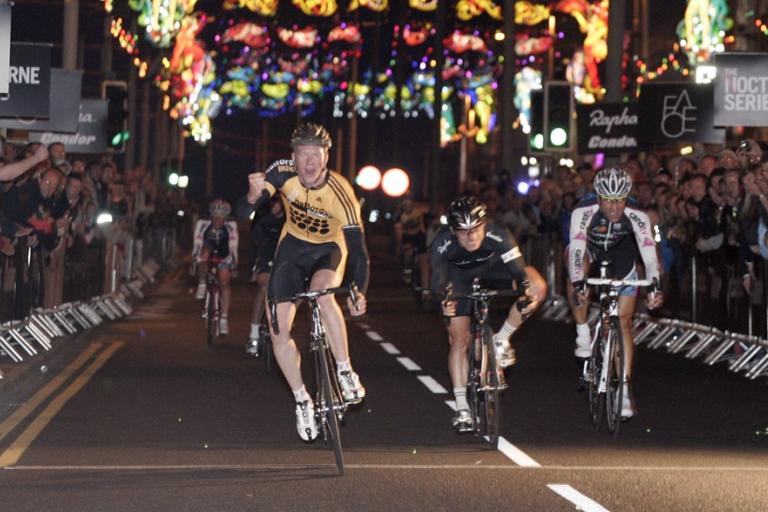 Ed Clancy wins_BlackpoolNocturne_01.jpg