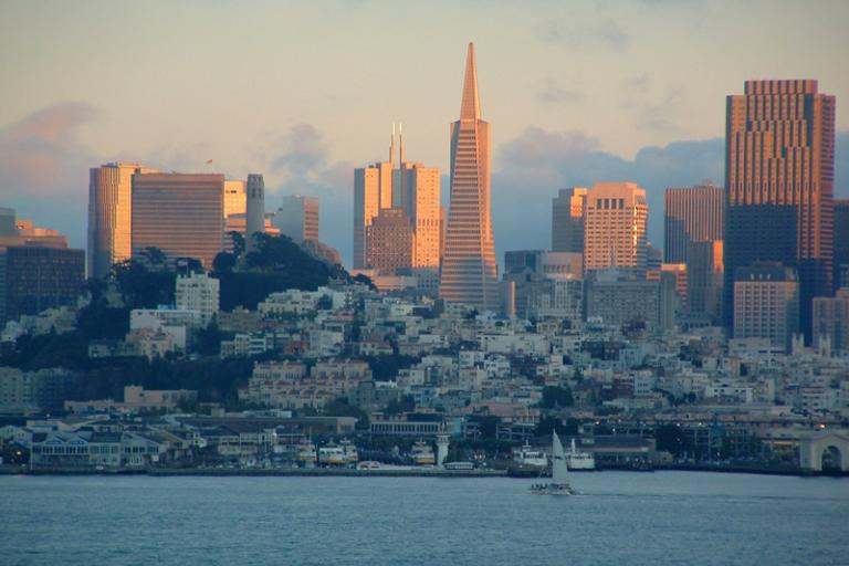 San Francisco at sunset (Creative Commons Digon3)