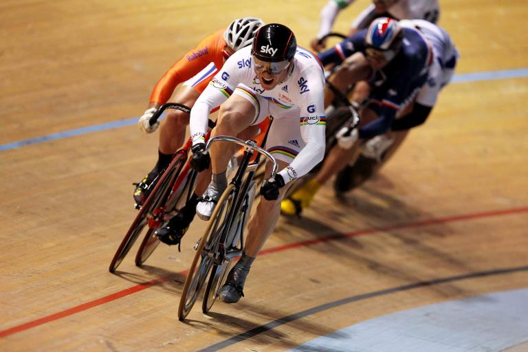 Sir Chris Hoy takes the keirin at Melbourne World Cup 2010.jpg
