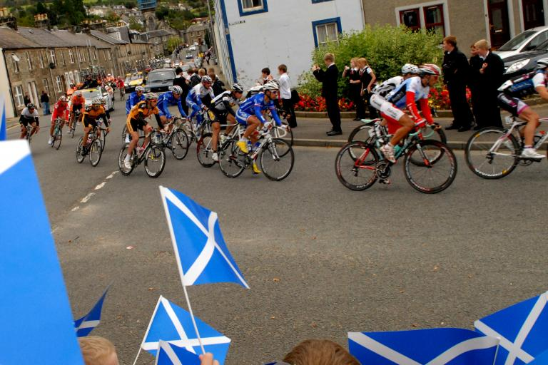 The 2009 Tour of Britain in Scotland.JPG