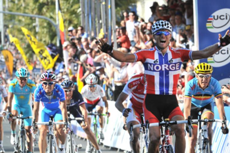 Thor Hushovd wins 2010 World Championship (picture credit Melbourne 2010).jpg