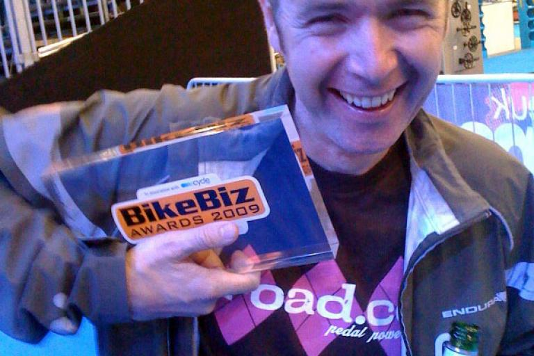 Tony with BikeBiz award