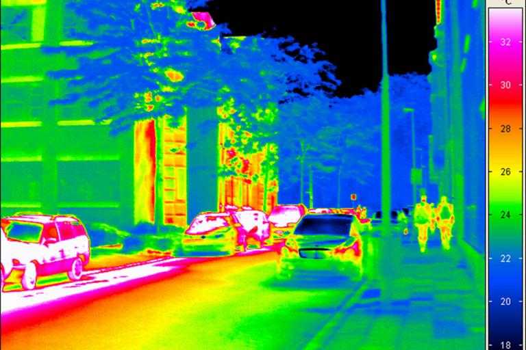 Infrared image of street (©Fraunhofer)
