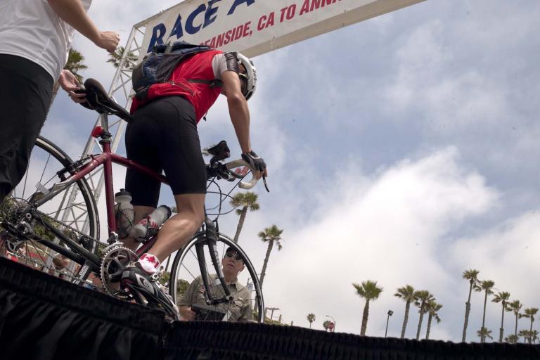 Race Across America 2010 start (pic credit: www.raceacrossamerica.org)
