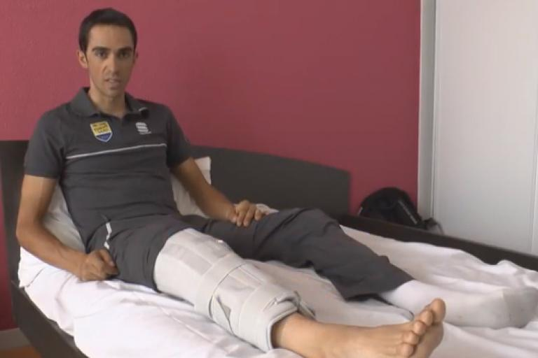 Alberto Contador hospital bed.png