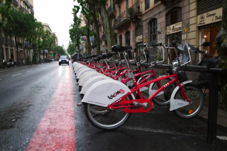 Barcelona Bicing Hire Scheme copyright Simon MacMichael.png
