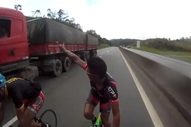 Brazilian lorry-drafting cyclists