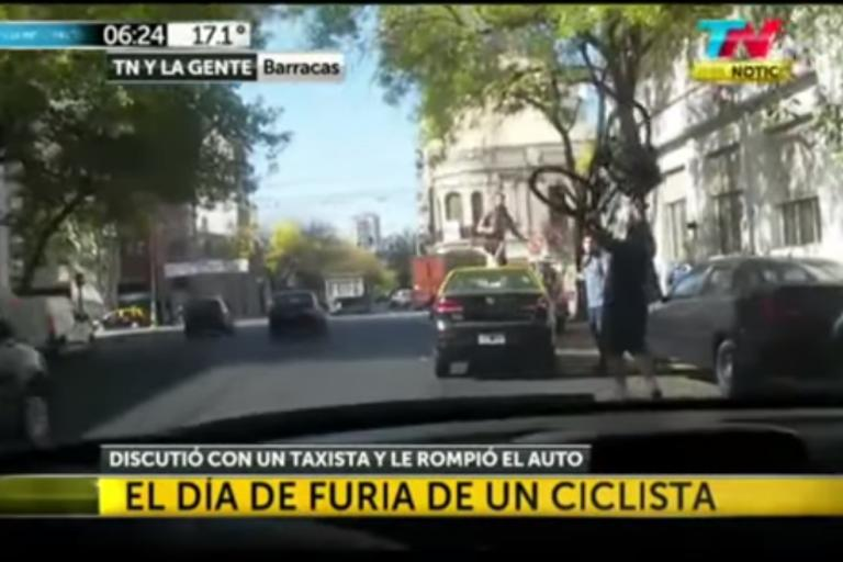 Buenos Aires cyclist attacks taxi.png