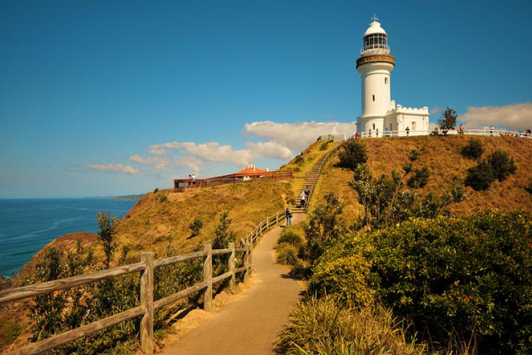 Byron Bay Lighthouse (licensed under CC BY 2.0 on Flickr by thinboyfatter)