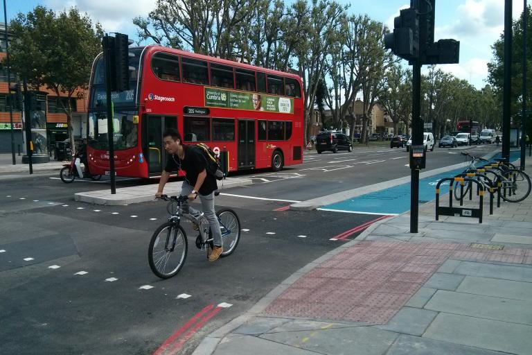 CS2 upgrade hold on left