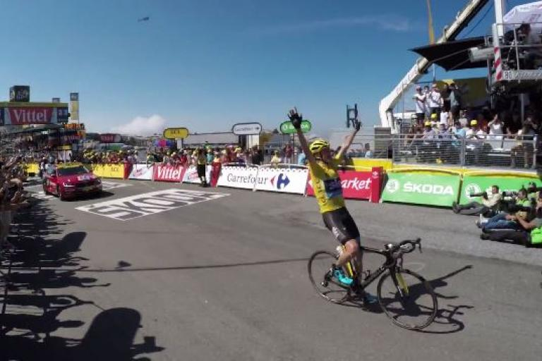 Chris Froome wins 2015 Tour de France Stage 10 (Velon.cc YouTube still)