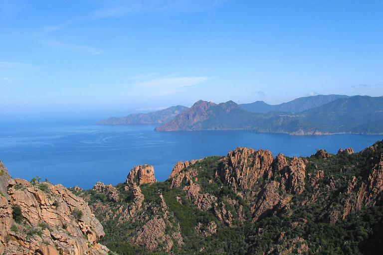 Corsica, Calanques de Piana (Jean-Pol Grandmont, Wikimedia Commons)