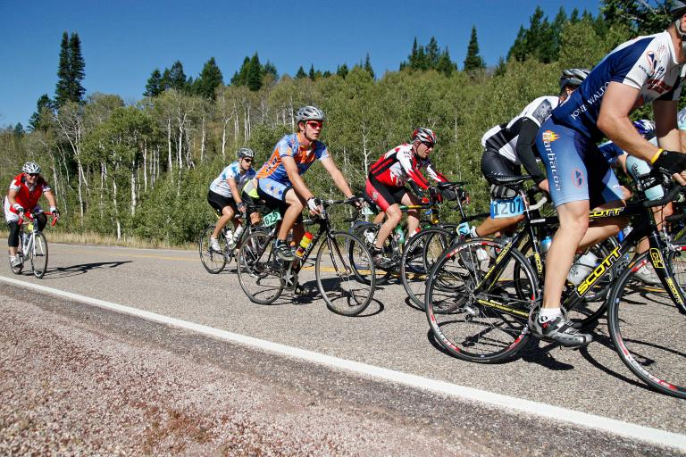 Cyclists taking part in LoToJa in 2009