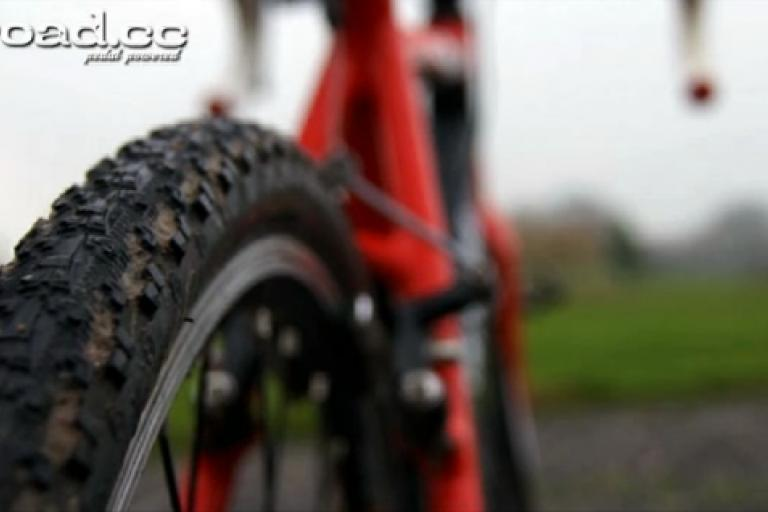 Cyclocross tyre.png