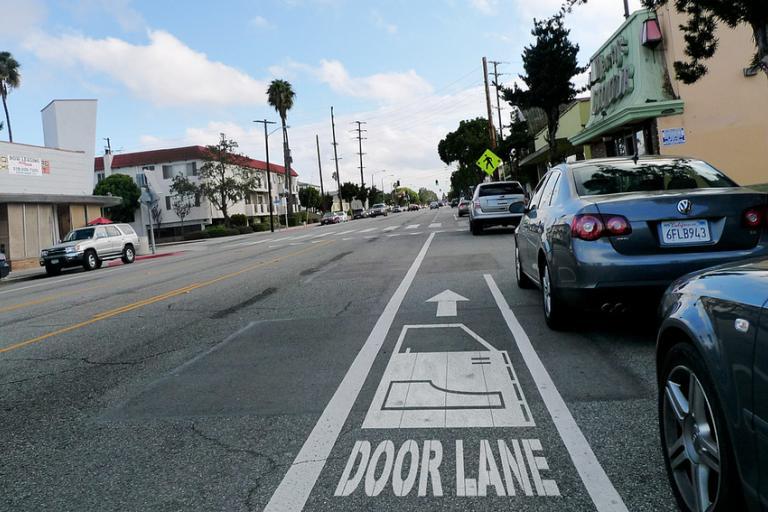 Door Lane (CC BY-NC 2.0 licensed by Gary Cavanaugh:Flickr)