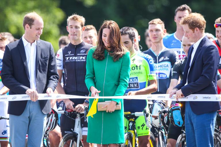 Duchess of Cambridge cuts ribbon to start 2014 Tour de France (picture Welcome to Yorkshire, Letouryorkshire.com)