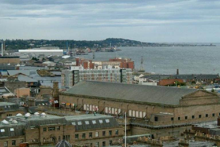 Dundee Harbour (picture Gordon Czeschel, Wikimedia Commons)