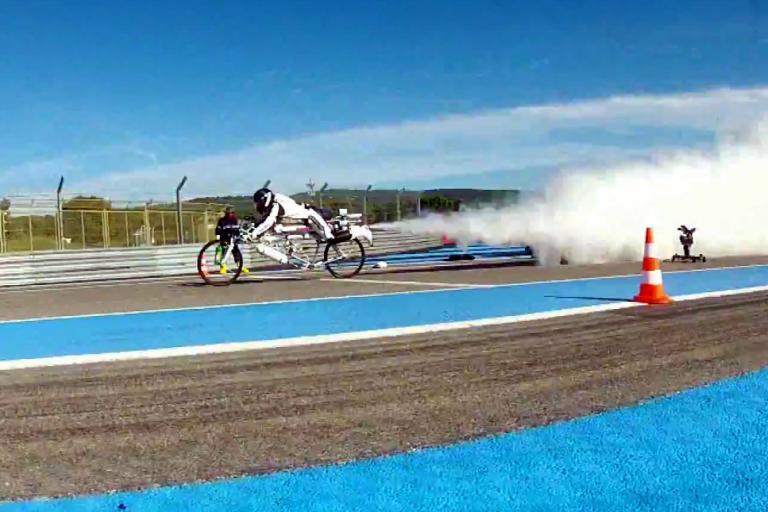 Francois Gissy blasts off