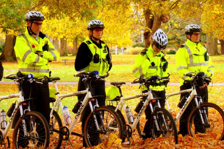 Hampshire Constabulary Tactical Cycle Team (CC licensed image by JD Mack:Flickr)