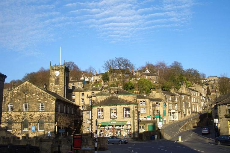 Holmfirth (licensed on Wikipedia under CC BY-SA 2.54 by Harry Wood)