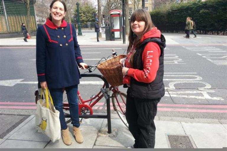 Islington Police speak to bicycle owners