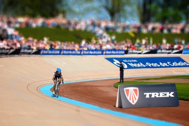 Johan Vansummeren wins Paris-Roubaix tiltshift