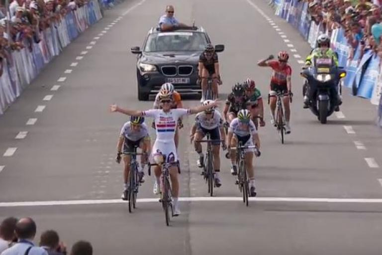 Lizzie Armitstead wins 2015 GP Plouay (UCI YouTube still)