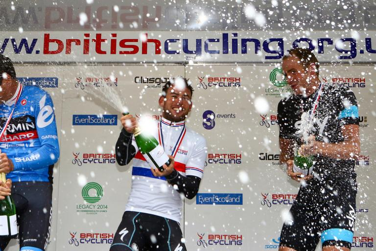 Mark Cavendish celebrates winning 2013 national road race (copyright - Alex Whitehead:SWPix.com)