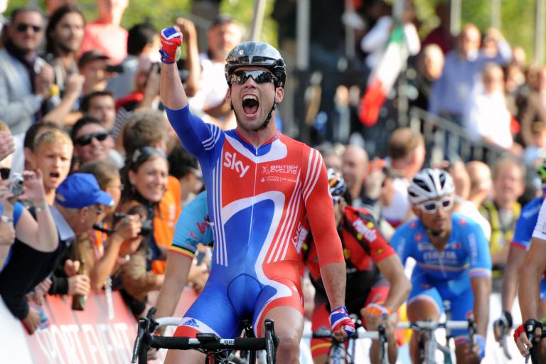 Mark Cavendish wins 2011 World Road Race Championship in Copenhagen.jpg