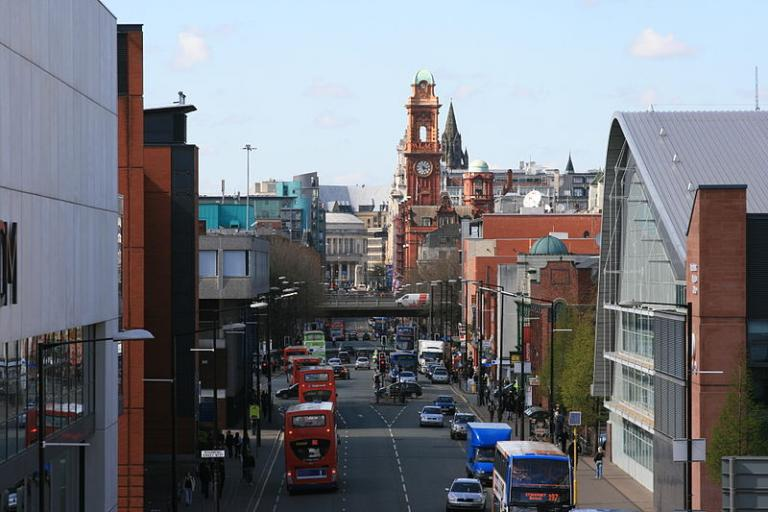 Oxford Road, Manchester (Pete Birkinshaw, Wikimedia Commons)