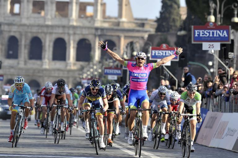 Pippo Pozzato 'wins' 2013 Roma Maxima (picture Gian Mattia d'Alberto, LaPresse, RCS Sport)
