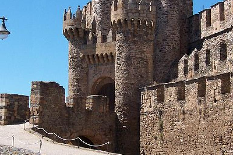 Ponferrada s Templar Castle jgaray Wikimedia Commons .jpg