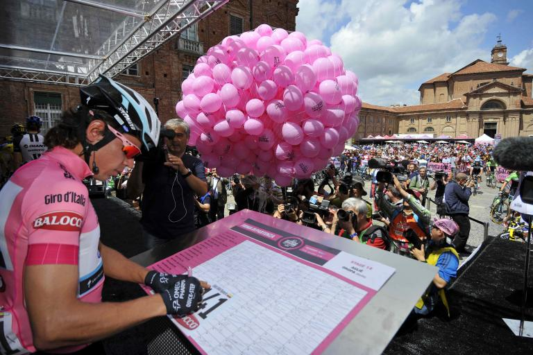 Rigoberto Uran signs on at start of 2014 Giro S14 - picture credit LaPresse