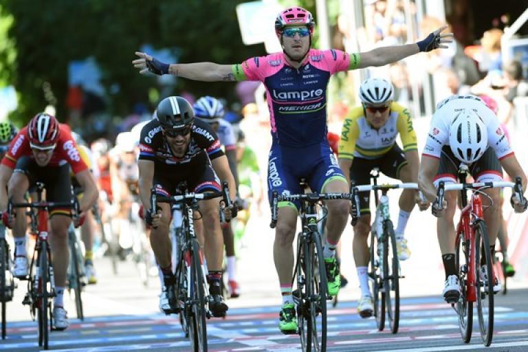Sacha Modolo wins 2015 Giro Stage 17 in Lugano (picture ANSA, Dal Zennaro)