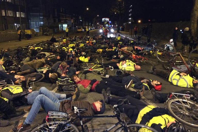 Stephanie Turner Vigil, Stamford Hill, January 2015 (picture Tom Kearney on Facebook)