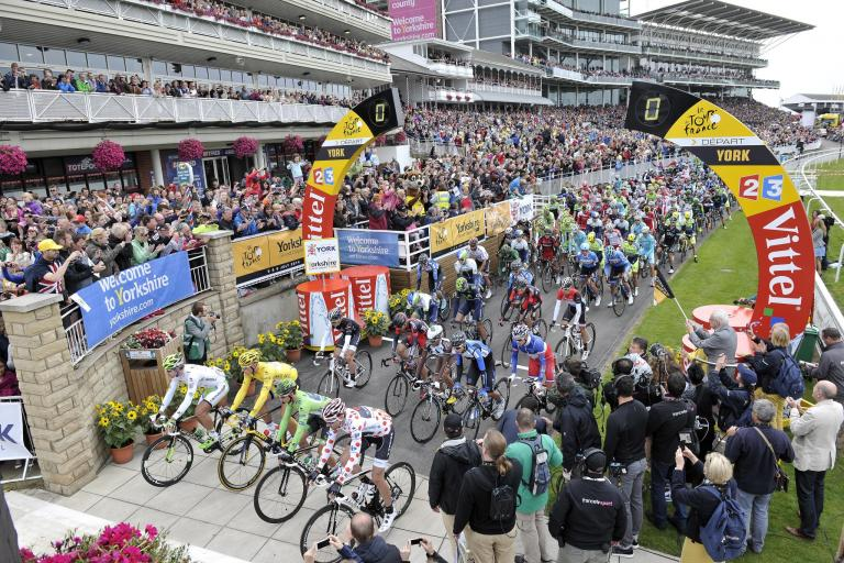 TdF 2014 Stage 2 leaves York racecourse (picture credit Welcome to Yorkshire letouryorkshire.com)