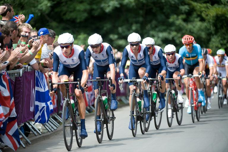 Team GB rides for Mark Cavendish at London 2012 (copyright Britishcycling.org.uk)
