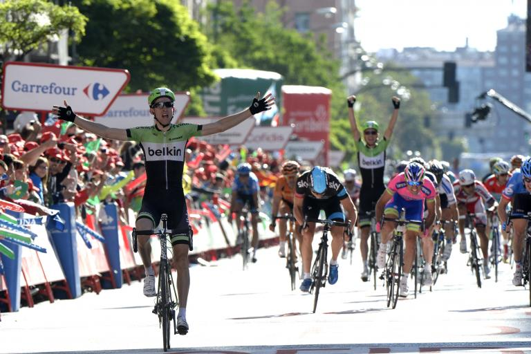 Vuelta 2013 Stage 17 Bauke Mollema wins, David Tanner celebrates (© Unipublic:Graham Watson)