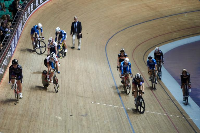 Women line up for Longest Lap at Revolution Series Manchester, Nov 2014 (picture credit Luke Webber)