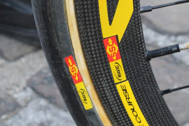 paris roubaix 2013 - Mavic wheels and tyres