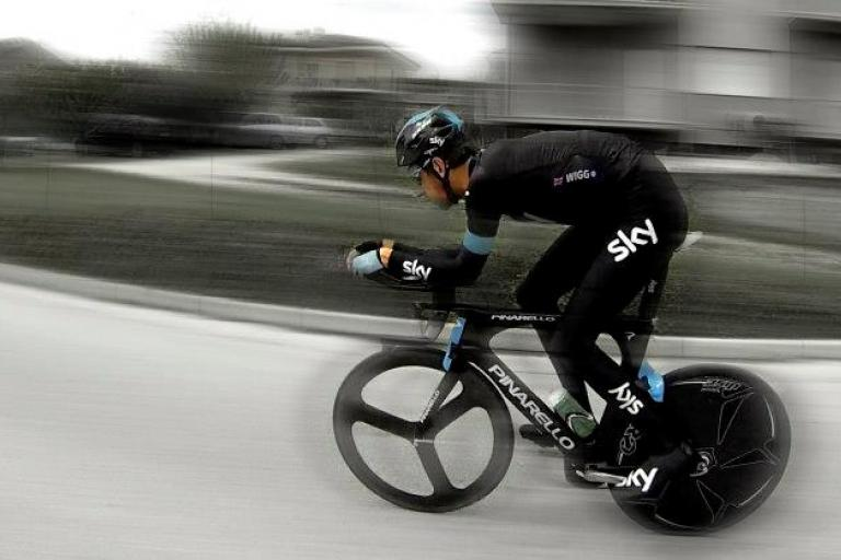 Pinarello Bolide - Brad riding blur