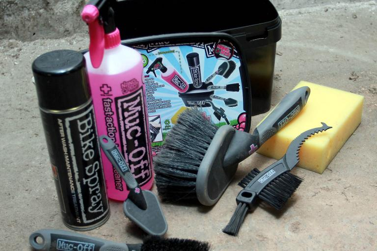 Muc-Off 8-in-1 cleaning set