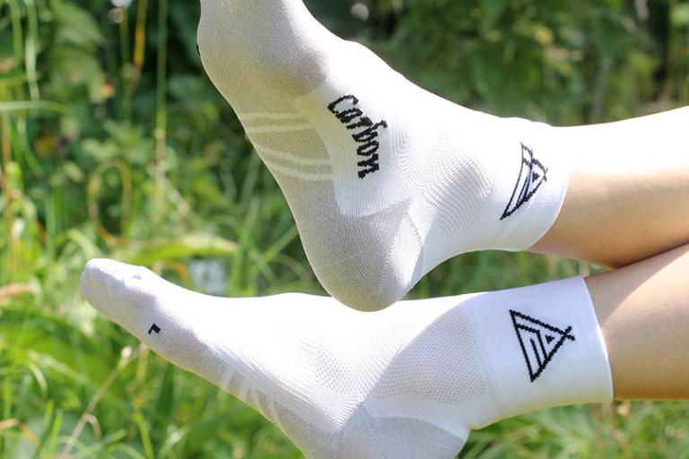 Prendas Ciclismo High Summer Dryarn-Resistex Carbon Socks