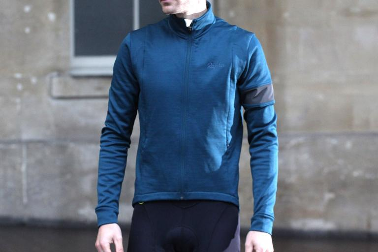 Buyer S Guide To The Best Waterproof Cycling Clothing