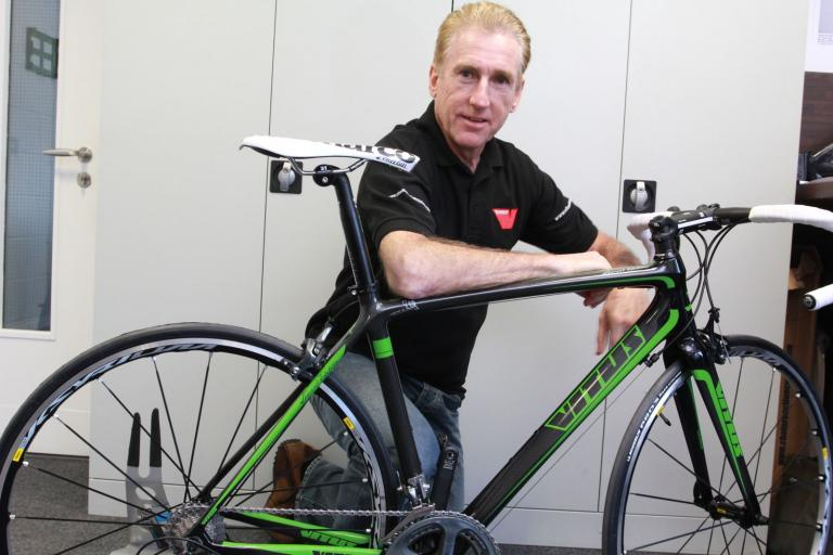 Vitus Sean Kelly special edition - Sean with his bike