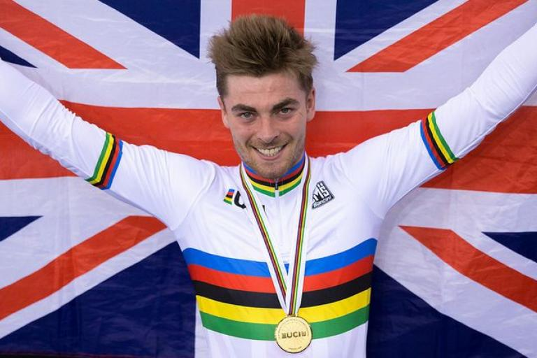 Jon Dibben celebrates gold at London UCI Track World Championships 2016, copyright SWPix.com, Britishcycling.org_.uk_.JPG