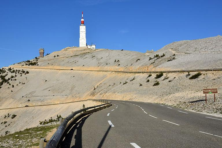 Mont Ventoux (licensed CC BY-SA 3.0 by BlueBreezeWiki).jpg