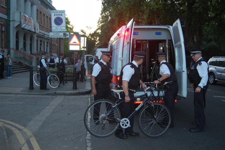 Met Police recovering stolen bikes, copyright Laura Laker.JPG